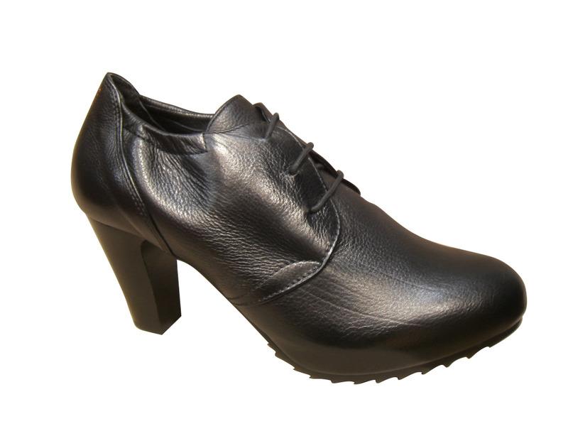 low boots hogl cuir noir talon low boots bottines et boots. Black Bedroom Furniture Sets. Home Design Ideas