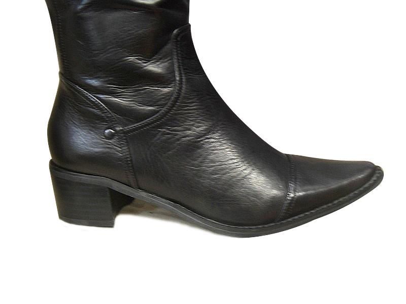 Bottes femme  FUGITIVE noires cuir pointue