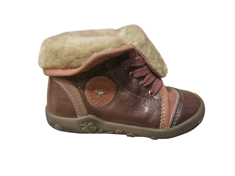 chaussures filles noel montantes vernis rose enfants 2. Black Bedroom Furniture Sets. Home Design Ideas